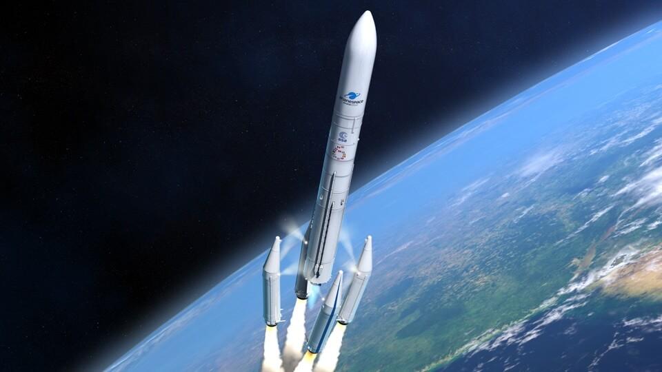 Ariane 64 Trägerrakete über der Erdkugel, deren vier Booster gerade abgesprengt werden
